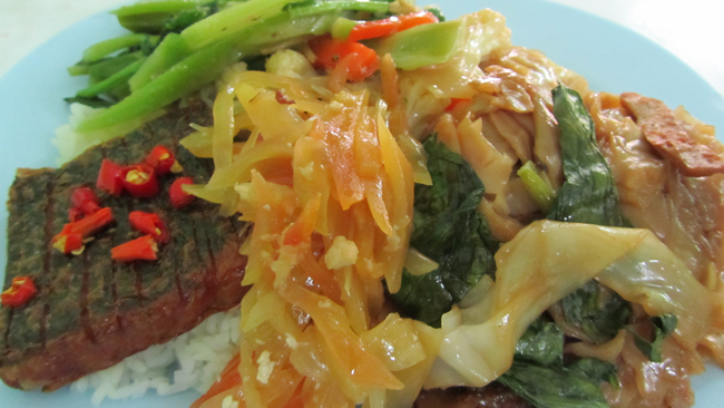 TRANG VEG RESTAURANT WITH MOCK TUNA Vegan Food Quest: Veggin Out and About In Southeast Asia!