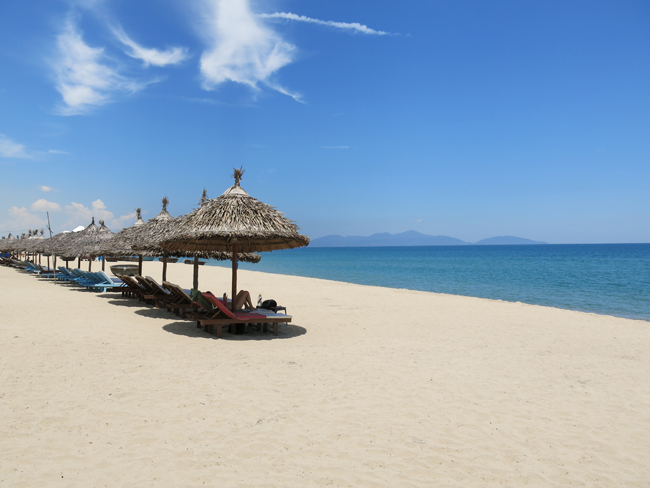 VFQ 3 Beach in Hoi An Vegan Food Quest   Veggin Out and About In Southeast Asia!