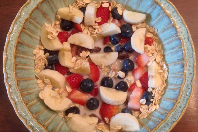Breakfast Cereal With Fresh Fruit