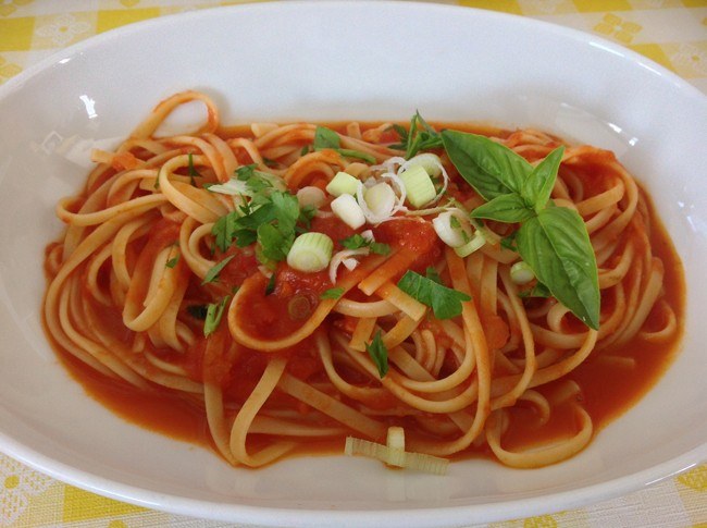 Linguine Al Pomodoro with Basil 650x485 LA CUCINA Italian Kitchen, Milanos Finest In The Most Unlikely Place